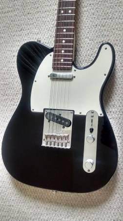 Photo 2013 Fender American Standard Telecaster - $1,300 (Bethpage NY)