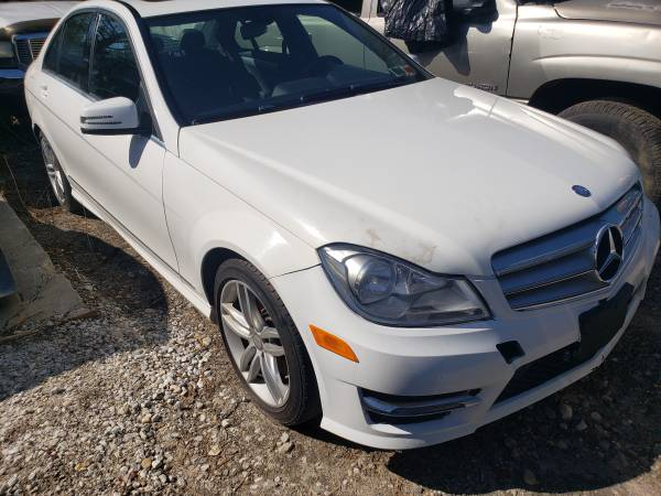 Photo 2013 Mercedes C300 parts (Ronkonkoma)