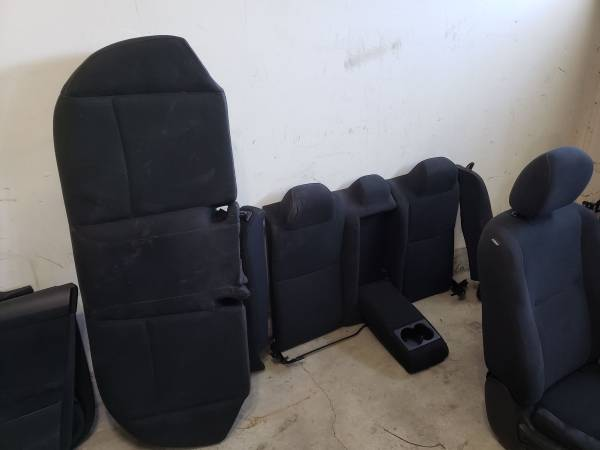 Photo 2014 Nissan Altima Interior Rear Seats and Door Panels Center Console Charcoal B - $50 (Bohemia)