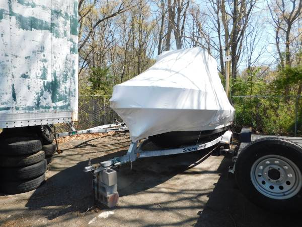 Photo 95 Penn Yan 18ft center console Boat ,Mercury 90 Boat Engine - $8,000 (patchogue)