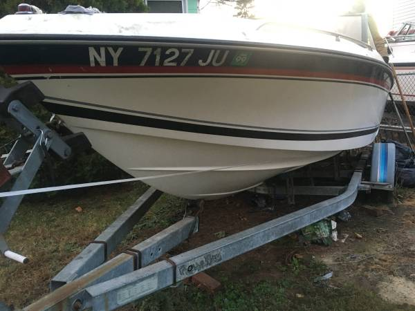 Photo Boat -1989 Monterey bow rider sport about 19 12 feet with trailer - $3,000 (Bethpage)