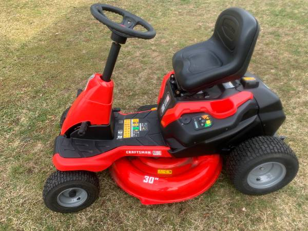 Photo CRAFTSMAN E150 Electric Riding Lawn Mower - $1999