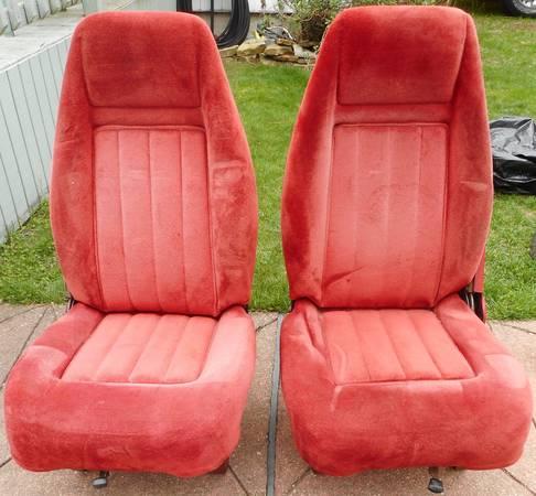 Photo Chevy GMC K5 K15 K10 K20 Blazer Jimmy Bucket Seats - $300 (Seaford)