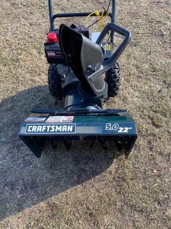 Photo Craftsman 22 5hp snowblower - $150 (Bayport)