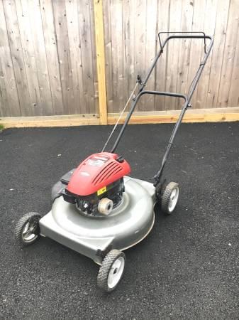 Photo Craftsman 22 Push mower - $130 (Sayville)