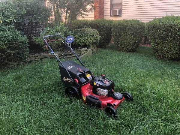 Photo Craftsman Platinum 163cc 22 3n1 SELF PROPELLED Lawn Mower W Bag  MOR - $250 (Northport)