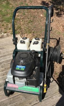 Photo Craftsman Pressure Washer (needs repair) -working Honda GCV160 Engine - $125 (St. James)
