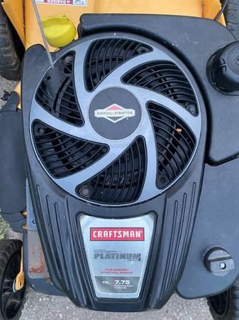 Photo Craftsman self-propelled 21 inch mower - $1 (SHIRLEY)