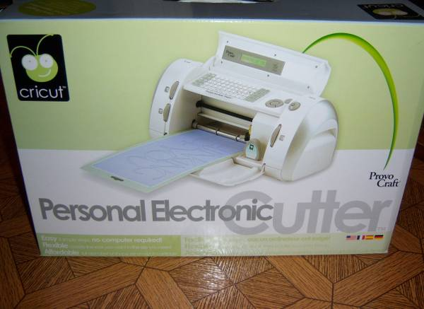 Photo Cricut Personal Electronic Cutter - used one time - $50 (Islip Terrace)