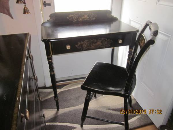 Photo Desk, Chair  matching Dresser- Hitchcock Furniture - $150 (Farmingville, NY)