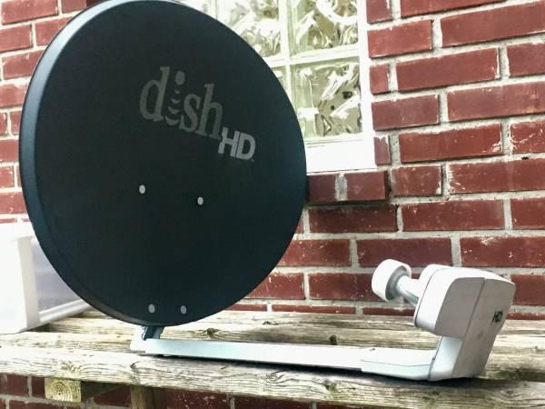 Photo Dish Network Satellite Dish - $25 (Woodmere)