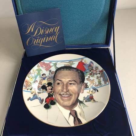 Photo Disney Assorted pieces Rare - $1 (Nesconset)