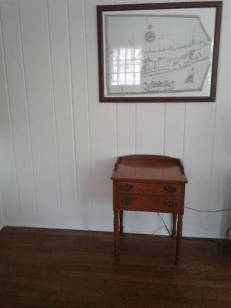 Photo Ethan Allen - Baumritter Maple Mid Century Accent Table Best Offer - $200 (Southton,)