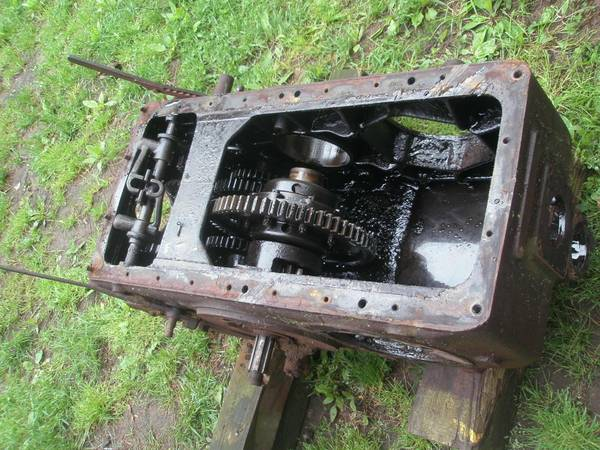Photo FARMALL F-12 TRANSMISSION PARTS GEARS and SHAFTS Tractor - $10 (PORT JEFFERSON)