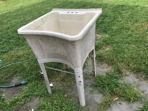 Photo Free Utility Sink 24x24x36 (Great Neck)