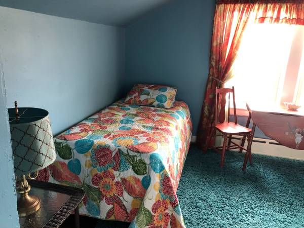 Photo Furnished Room $750.00 (South Bay Shore)