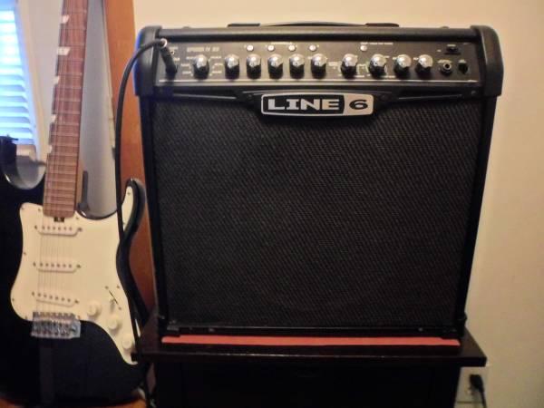 Photo Guitar Amp - Line 6 Spider 4 30 - Mint- - $130 (Huntington Station)