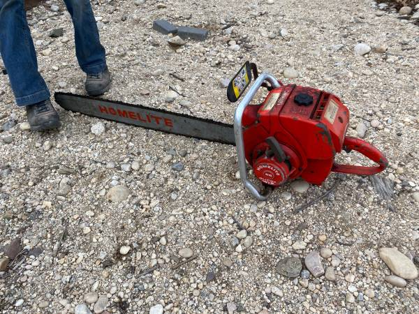 Photo Homelite chainsaw vintage - $300