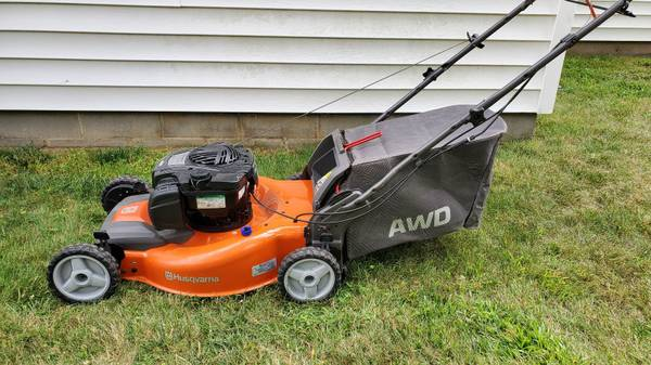 Photo Lawn Mower - Husqvarna - AWD - 22quot - $250 (Miller Place)
