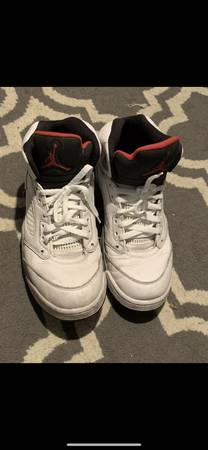 Photo Mens Air Jordan Sneakers Size 9.5 - $65 (Levittown)