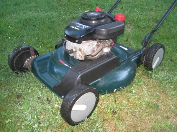 Photo Murray lawn mower - $165 (nesconset)