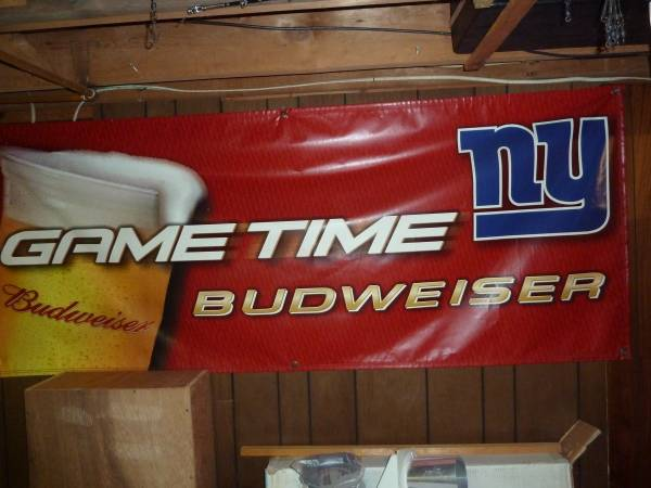 Photo NY Giants banner Budweiser 3 ft x 7 ft - $20