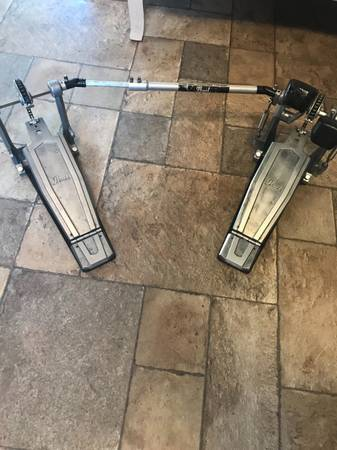 Photo PEARL DOUBLE BASS DRUM PEDAL Drums Hardware Kick pedals foot Gibraltar - $70 (Patchogue)