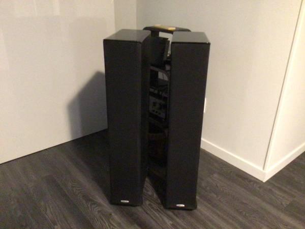 Photo Polk Audio Surround Sound 5 speakers  subwoofer - $395 (Franklin Square)