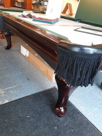 Photo Pool Table 8 Foot Brunswick includes Delivery and set up - $1600 (West Babylon)