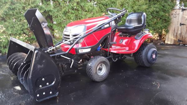 Photo REALLY NICE CRAFTSMAN TRACTOR 24HP W42IN 2 STAGE SNOWBLOWER  DECK - $2,200 (ALLENTOWN, PA)