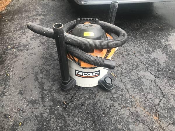 Photo Rigid 9 gallon 3.5 hp shop vac - $25 (Kings park)