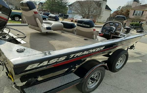 Photo Runs Great2002 Bass Tracker boat for sale - $1223