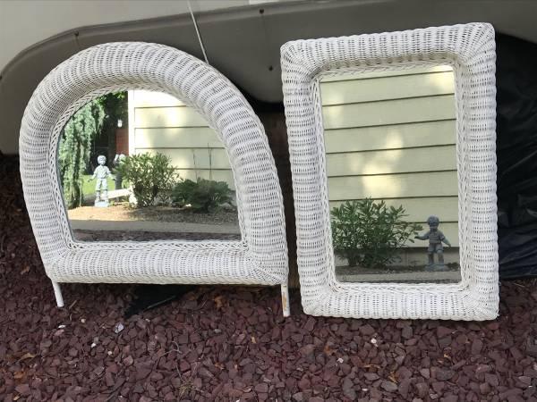 Photo Set of two White Wicker Mirrors - $30 (West Babylon)