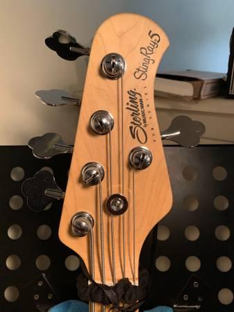 Photo Sterling Stingray Musician Man Active Bass 5 String - $250 (Port Jefferson Station)