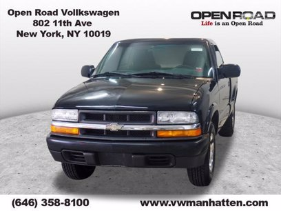Photo Used 2001 Chevrolet S10 Pickup 2WD Regular Cab for sale