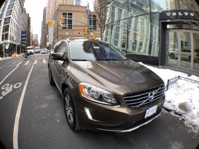 Photo Used 2015 Volvo XC60 AWD T6 Premier Plus for sale