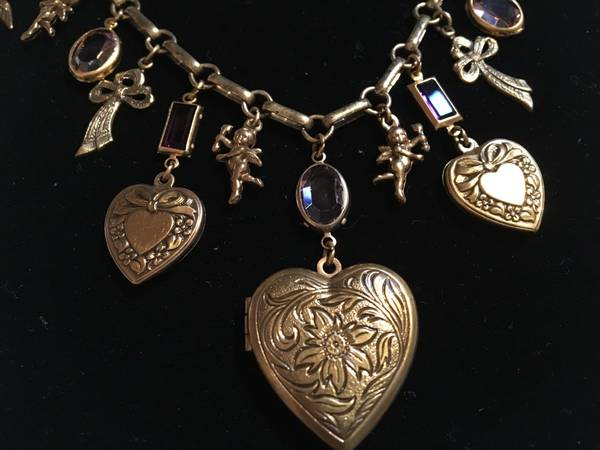 Photo Victorian Style Charms Necklace - Beautiful Assorted Charms - $15 (Franklin Square)
