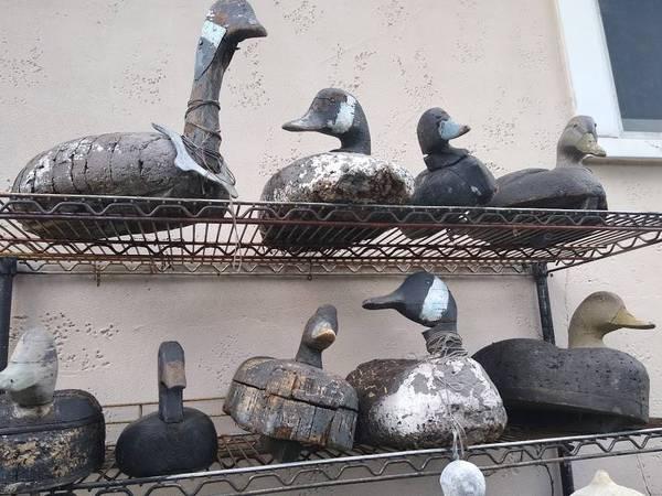 Photo Vintage Carved Wood Goose Duck Decoys, Folk Art Yard CabinDecor (Bay Shore)