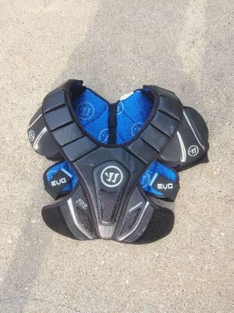Photo Warrior Men39s Evo Hitlyte Lacrosse Shoulder Pads - $20 (Farmingdale)