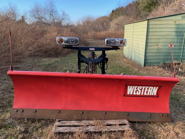 Photo Western Snow Plow - $2,000 (Riverhead)