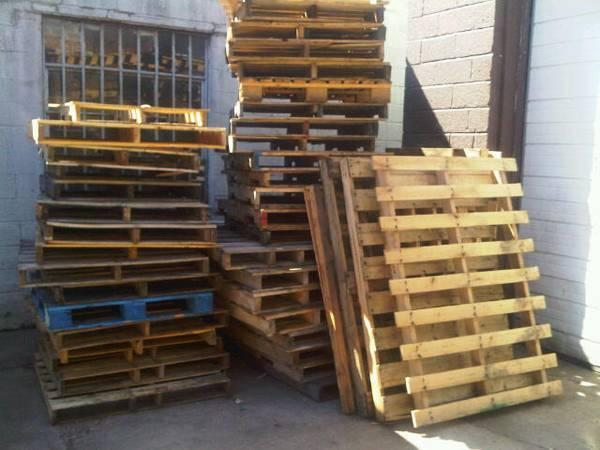 Wood Pallets - FREE (Hicksville)
