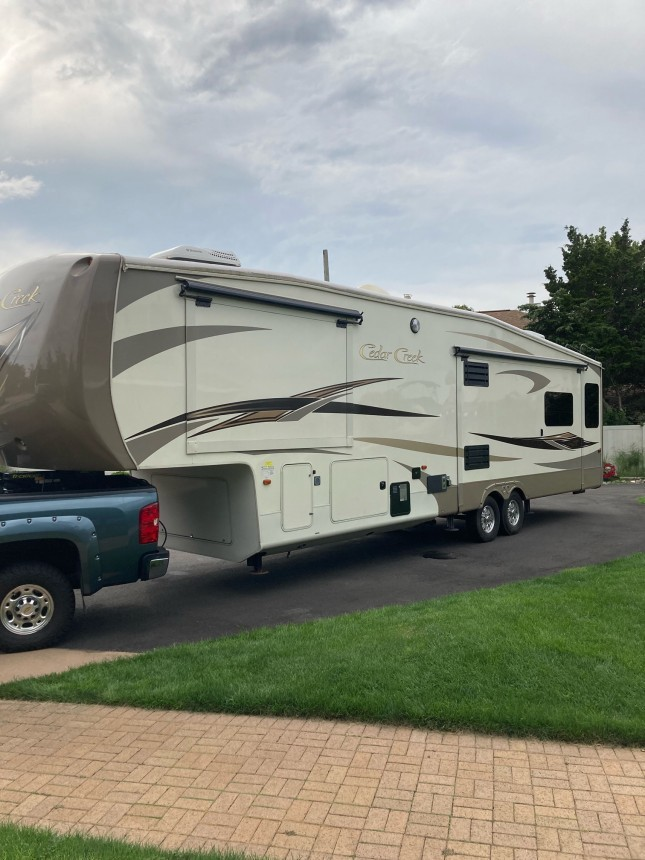Photo Used 2014 Forest River Fifth Wheel RV  $41000