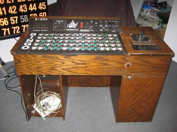 Photo bingo machine  flashboard - $900 (rocky point)