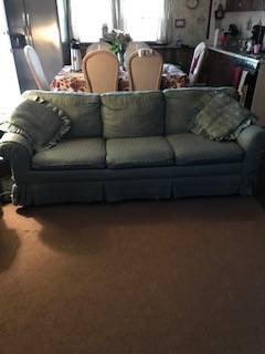 Photo full size sofa and love seat for free (Saint James)