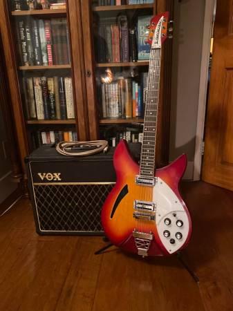Photo 198039s Tokai Rickenbacker style guitar Copy early 198039s $425 OBO - $425 (Tujunga)