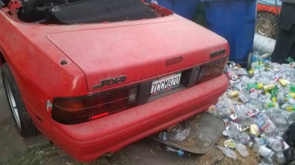 Photo 1990 mazda rx7 trunk - $1 (Bell  hooks rotary)
