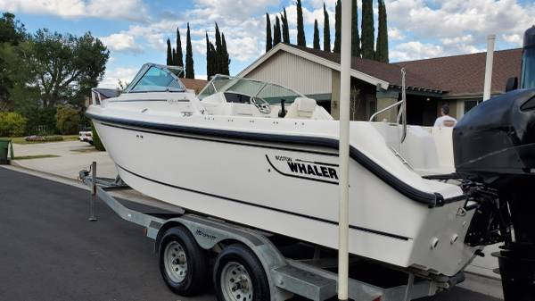 Photo 2001 Boston Whaler Ventura 210 - $21000 (West Hills)