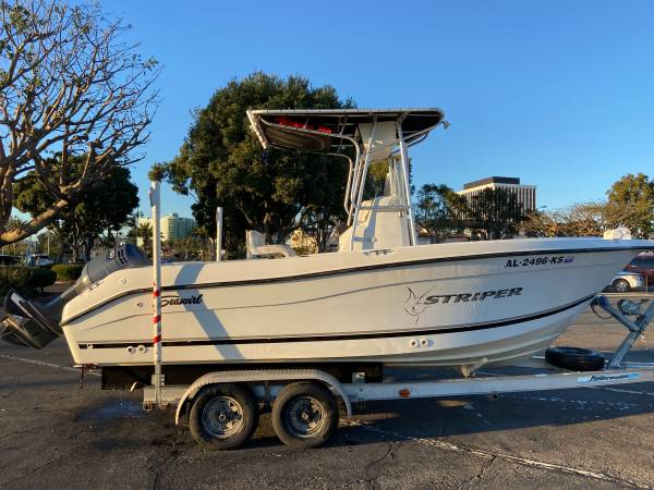 Photo 2002 Seaswirl Striper Center Console Fishing Boat - $22,000 (Marina Del Rey)