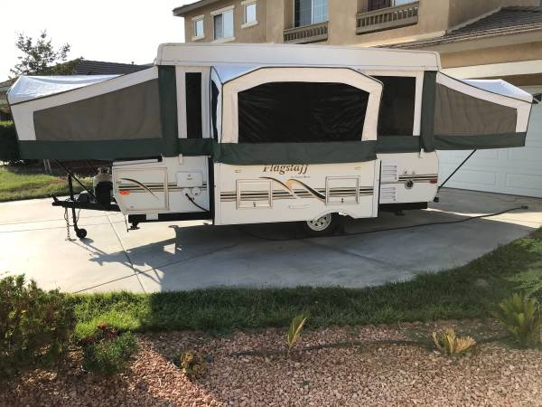 Photo 2004 Flagstaff by Forest River with Inside Shower  Toilet - $6,500 (Moreno Valley)