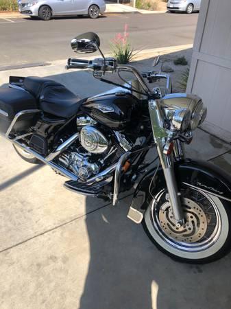 Photo 2004 Harley Davidson Roadking - $9,000 (Palmdale)